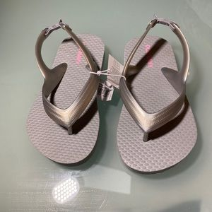 NWT!   Old Navy thong sandals for girls size 7